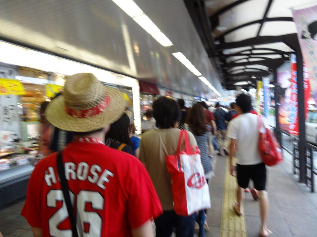 広島カープのゲーム開催日の広島駅の混雑